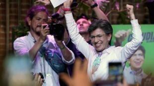Claudia López festeja su elección a la Alcaldía de Bogotá, el 27 de octubre de 2019.