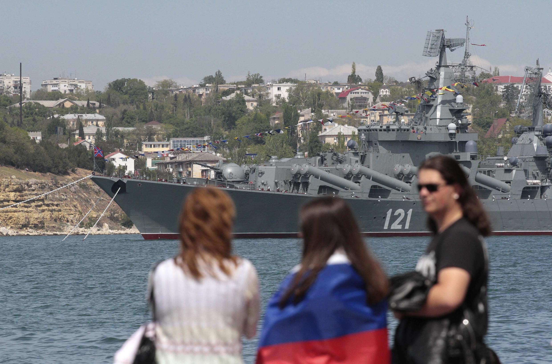 Um navio russo no porto de Sébastopol, na Crimeia, em 2014.