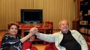 Dilma e Lula se reuniram no Alvorada na véspera.
