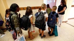 بازگشایی مدارس در فرانسه