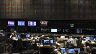 阿根廷股市8月12日暴跌近30%,在馬克里於初選慘敗後。