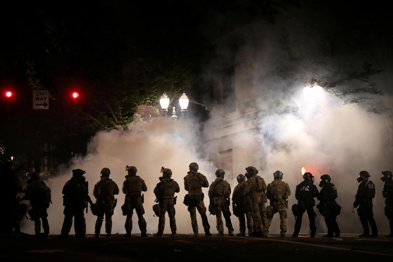 Agentes federales fueron desplegados por el gobierno de Donald Trump en Portland, el 21 de julio de 2020.
