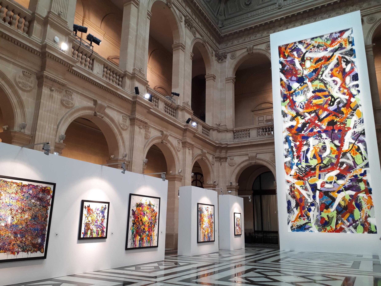 """""""Abstracted Love"""" de JonOne en el Palais de la Bourse, Marsella."""