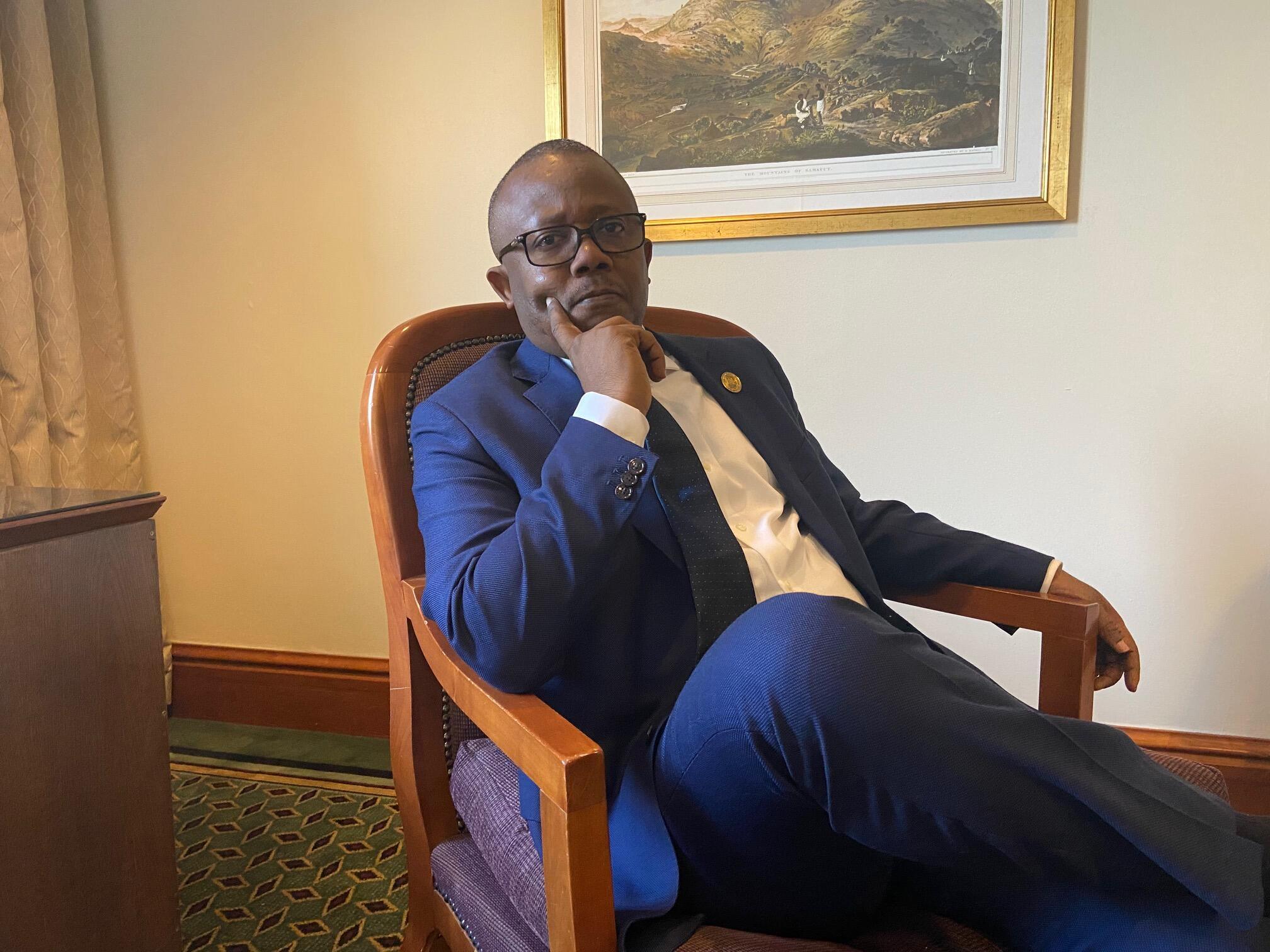Umaro Sissoco Embaló, candidato declarado vencedor pela CNE nas eleições presidenciais, à Addis-Abeba le 10 de Fevereiro de 2020.