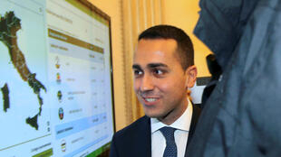 Luigi Di Maio, chef politique du Mouvement 5 Etoiles, avait revendiqué en mars 2017 le droit de former un gouvernement alors que le M5S est devenu le premier parti d'Italie depuis les dernières élections législatives.