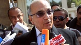 Ahmad Chafiq, dernier Premier ministre de l'ère Moubarak, le 10 mars 2012 au Caire.
