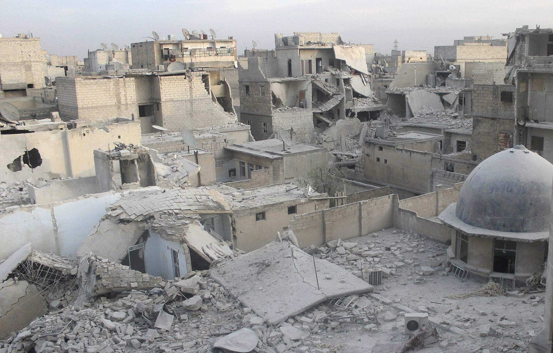 Damage in the neighbourhood of Aleppo, 19 January 2014.