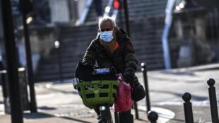 C'est l'un des gagnants de la pandémie de Covid-19: le vélo, et sa pratique, qui explose en ville, avec la création de nombreuses «coronapistes».