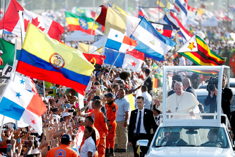 Giáo hoàng Phanxicô đến tiến hành thánh lễ tại Panama City, ngày bế mạc Đại Hội Thanh Niên Công Giáo Thế Giới (JMJ), 27/01/2019.