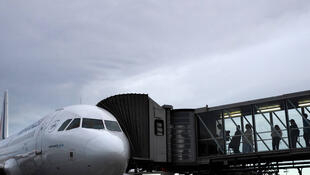 Des voyageurs embarquant dans un vol Air France, en juillet 2019 (archives).