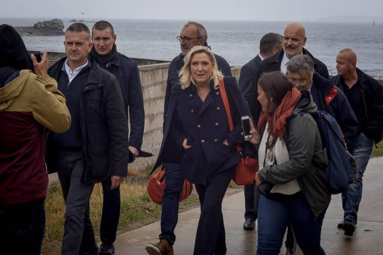 As part of the commemorations of the 80th anniversary of De Gaulle's Appeal of 18 June, Marine Le Pen visited the Island of Sein from where the first French fighters ralied.