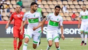 Rachid Ghezzal et Ryad Mahrez lors de la rencontre face à la Tunisie en janvier 2017.