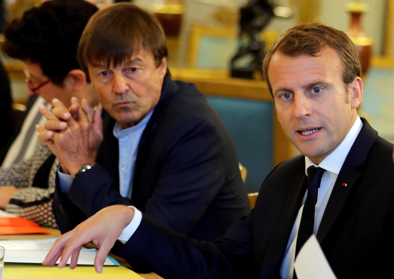 Министр Николя Юло с президентом Эмманюэлем Макроном на заседании Совета министров