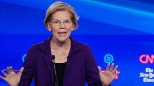 La sénatrice Elizabeth Warren, lors du débat pour la primaire démocrate, le 15 octobre 2019.