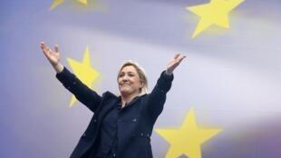 Marine Le Pen, la présidente du Rassemblement national. «Selon un sondage Ifop pour La Lettre de l'Expansion consacré aux élections européennes à venir, le Rassemblement national, devancerait la liste de la majorité».