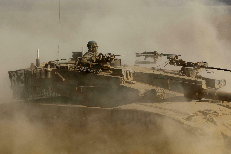 Soldado israelense neste sábado perto da Faixa de Gaza.