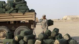 Soldado norte-americano se prepara para deixar o Iraque.