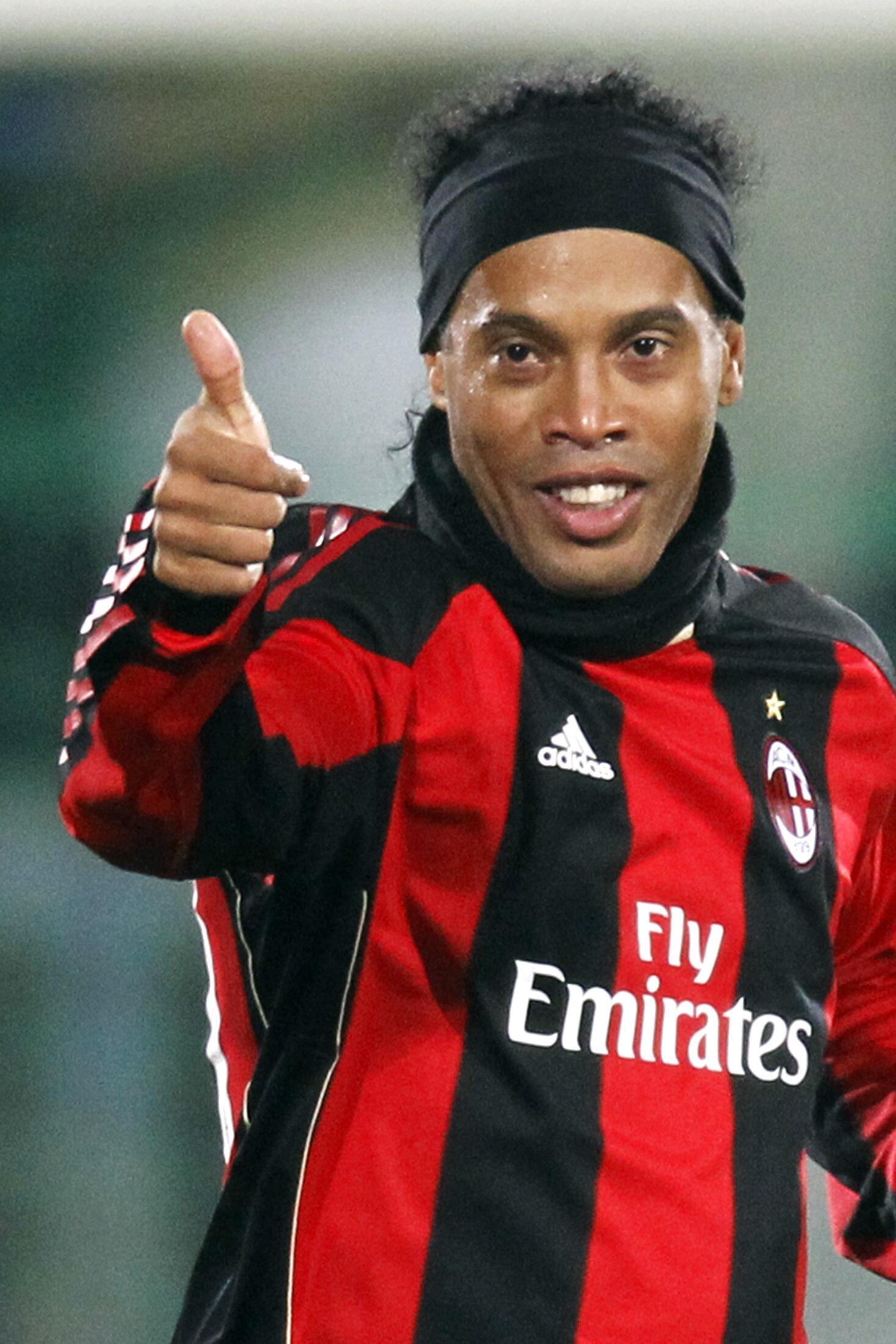 O atacante, Ronaldinho Gaúcho.