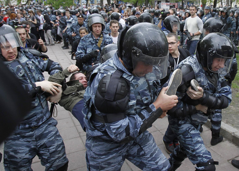 Задержания участников несанкционированной акции протеста в Москве 07/05/2012