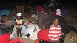 Camp de fortune à six kilomètres du centre de Lubango.