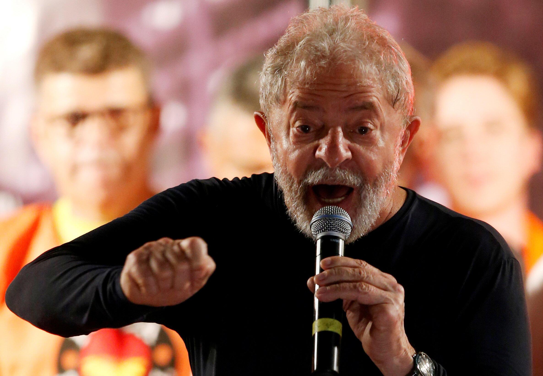 Cựu tổng thống Brazil, Lula da Silva, hiện đang bị tù giam, trong một buổi nói chuyện với người ủng hộ hồi tháng Ba năm 2018.