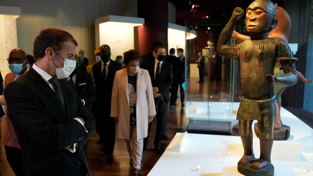 Restitution d'œuvres au Bénin : à Paris, une cérémonie d'adieu à forte valeur symbolique