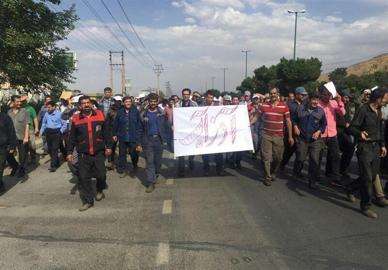 """یک مقام شورای کار استان مرکزی، مدیرعامل """"آذرآب"""" را مسئول ناآرامیهای اخیر میداند"""