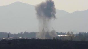 Bombardements de l'artillerie azerbaïdjanaise près de Stepanakert, la capitale de la région séparatiste du Haut-Karabakh, mercredi 28 octobre 2020