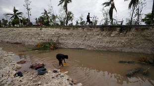 Furacão Matthew: Águas  lamacentas em  Cavaillon(Haiti)  após  a passagem  da  tempestade. 6 de Outubro  de 2016