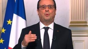 Новогоднее обращение президента Франсуа Олланда вызвало иронию в лагере правых.