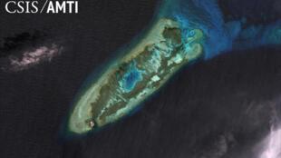 Không ảnh Đá Chữ Thập trong quần đảo Trường Sa, nơi đang xảy ra tranh chấp lãnh hải giữa Trung Quốc với các nước trong khu vực.