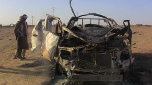 La voiture de Cheikh Ag Aoussa, l'un des principaux chefs militaires de l'ex-rébellion touareg, tué dans l'explosion aux abords de Kidal, le 8 octobre 2016.