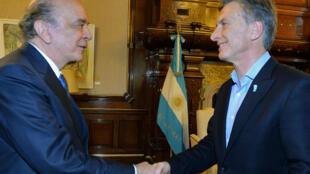 O chanceler José Serra (à Esq.) e o presidente argentino Mauricio Macri firmaram memorando para criação de mecanismo de coordenação política.