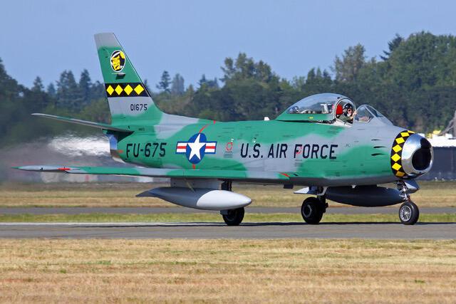 F-86, истребитель США 50-х годов.