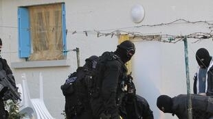 Arrest of islamists in Coueron, near Nantes, 30 March 2012