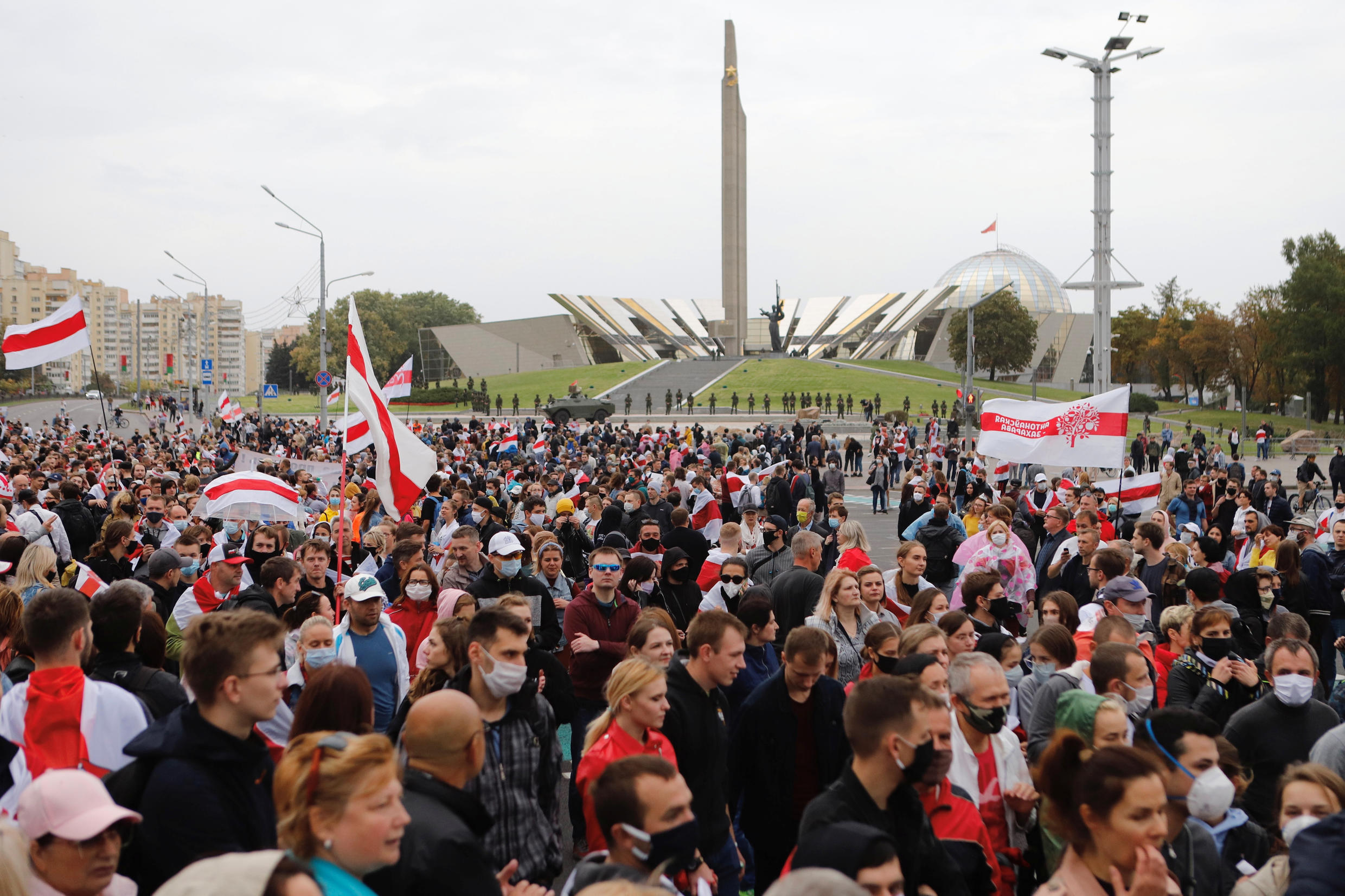 2020-09-27T125826Z_1263787316_RC207J92F9DQ_RTRMADP_3_BELARUS-ELECTION-PROTESTS
