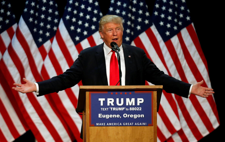 Mgombea urais katika kura za mchujo kwa chama cha Republican, Donald Trump, katika kampeni Eugene katika jimbo la Oregon, Mei 6, 2016.