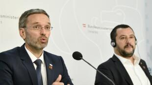 Le ministre autrichien de l'Intérieur, Herbert Kickl, en conférence de presse avant son homologue italien Matteo Salvini, à Vienne, le 14 septembre 2018.