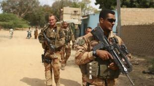Wanajeshi wa Ufaransa wakipiga doria nchini Mali