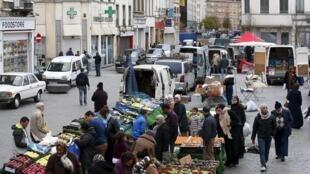 Le marché de Molenbeek, commune de Bruxelles qui a abrité plusieurs jihadistes partis en Syrie.