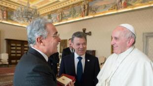 Le pape François a rencontré ce vendredi 16 décembre les présidents colombiens Juan Manuel Santos et Alvaro Uribe.