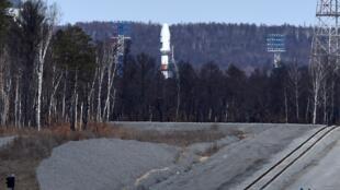 La fusée Soyouz 2.1a sur le pas de tir du cosmodrome de Vostochny, à l'extrême est de la Russie, le 27 avril 2016.