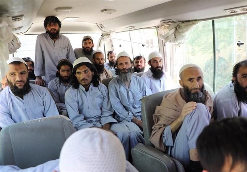 Le gouv.afghan libère les prisonniers talibans