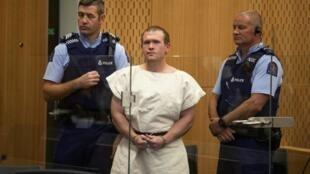 Brenton Tarrant, o supremacista branco que matou 51 fiéis muçulmanos em 2019 na Nova Zelândia incorrendo prisão perpétua