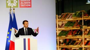 Tổng thống Pháp Emmanuel Macron phát biểu tại chợ thực phẩm quốc tế Rungis, gần Paris, 11/10/2017.