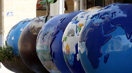 Tous les trois ans depuis 1997, le Forum Mondial de l'Eau mobilise les imaginations, les innovations, les compétences et les savoir-faire pour faire avancer la cause de l'eau.