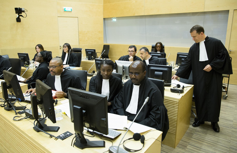 Représentants du bureau du procureur lors du procès de Jean-Pierre Bemba, à La Haye, ce mercredi 12 novembre 2014.