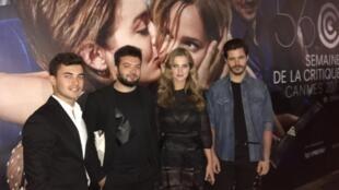 """Equipa dos actores e realizador de """"Coelho mau"""" de Carlos Conceição (o segundo à esquerda) na Semana da crítica do Festival de cinema de Cannes."""