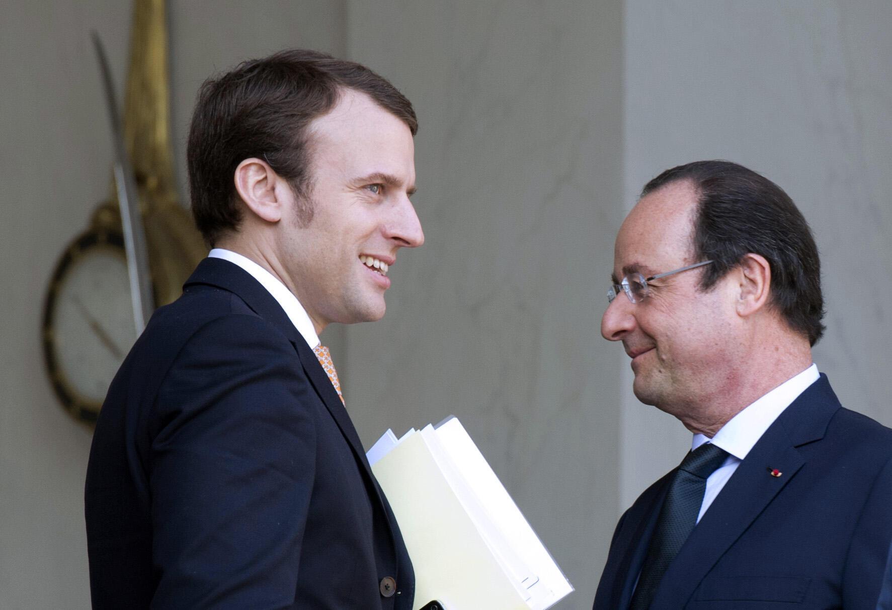Emmanuel Macron, ici avec François Hollande, avait quitté son poste à l'Elysée en juin dernier.