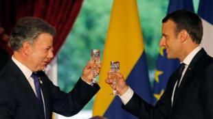 Emmanuel Macron y Juan Manuel Santos, el 21 de junio 2017 en el Elíseo.